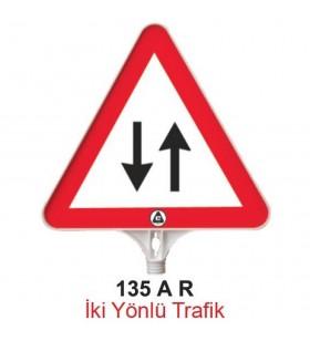 İki Yönlü Trafik Levhası 135